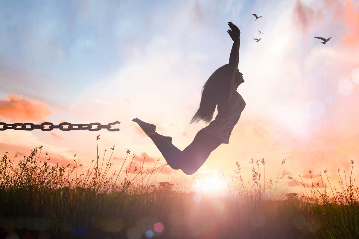How To Be Fearless, Confident & Start Living Your Dreams