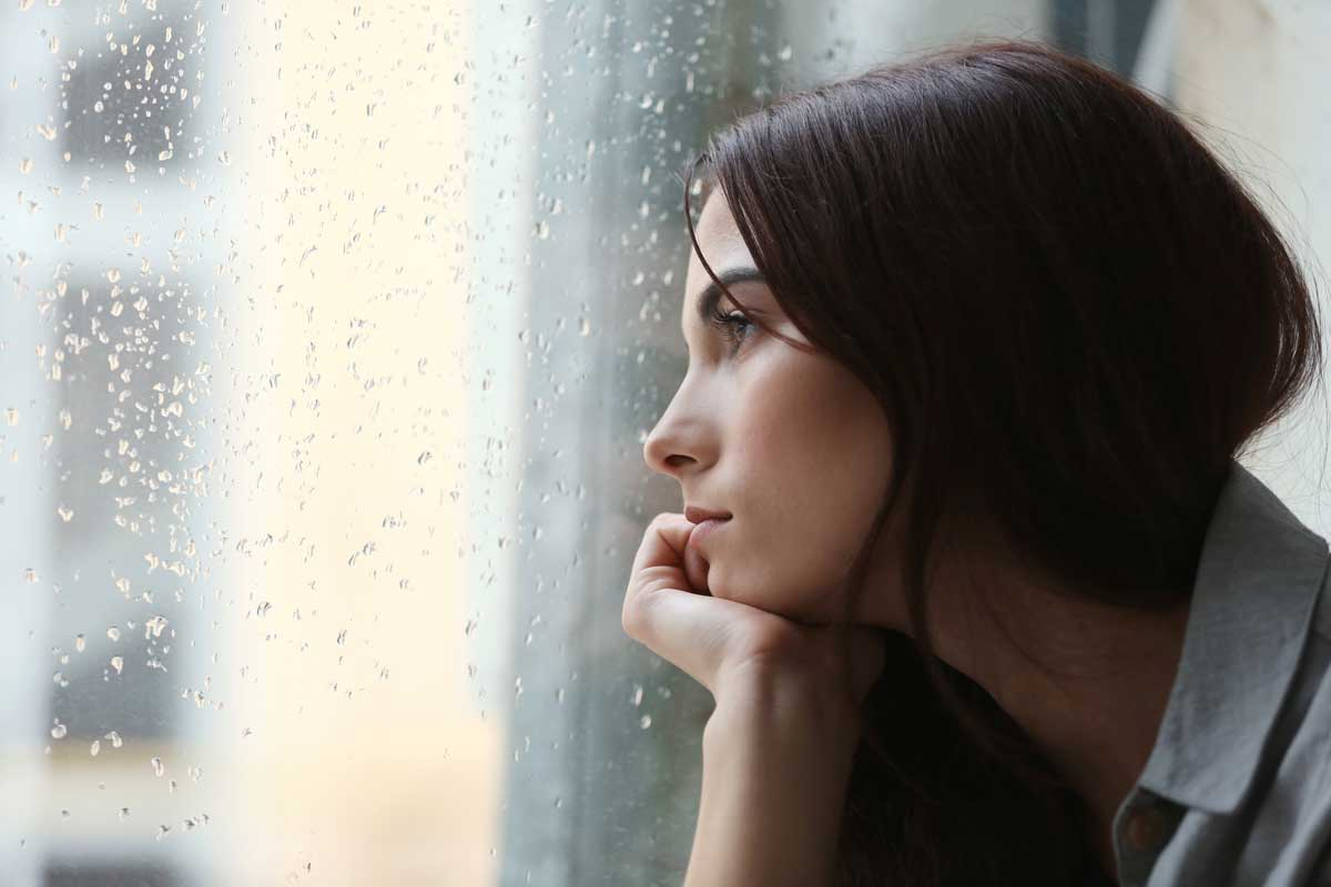 How To Stop Missing Someone When You're Heartbroken